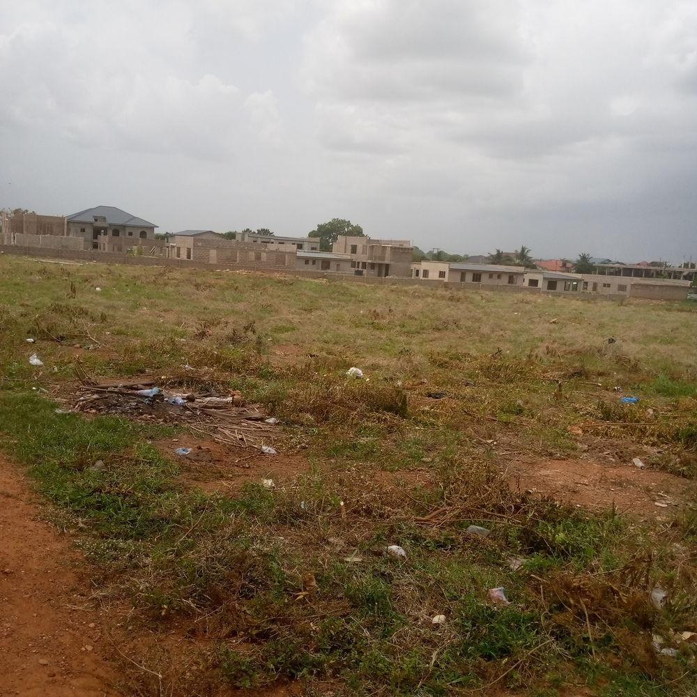Title Certificate plots of land for sale at Amrahia katamansu road