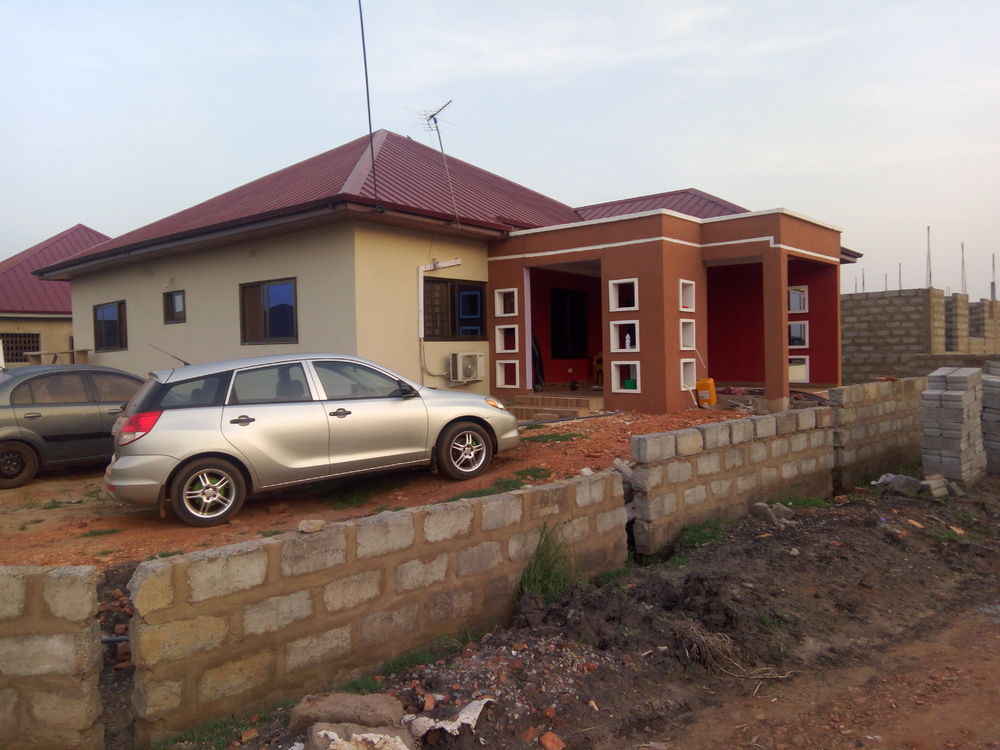 3 BEDROOM HOUSE FORSALE