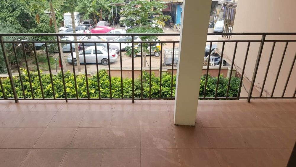 Office Space for rent 6 bedrooms office space for rent at mallam. 2 masters bed visitors washroom Washrooms, garage, close to main road. Price=ghc2000/month for 2 years pls