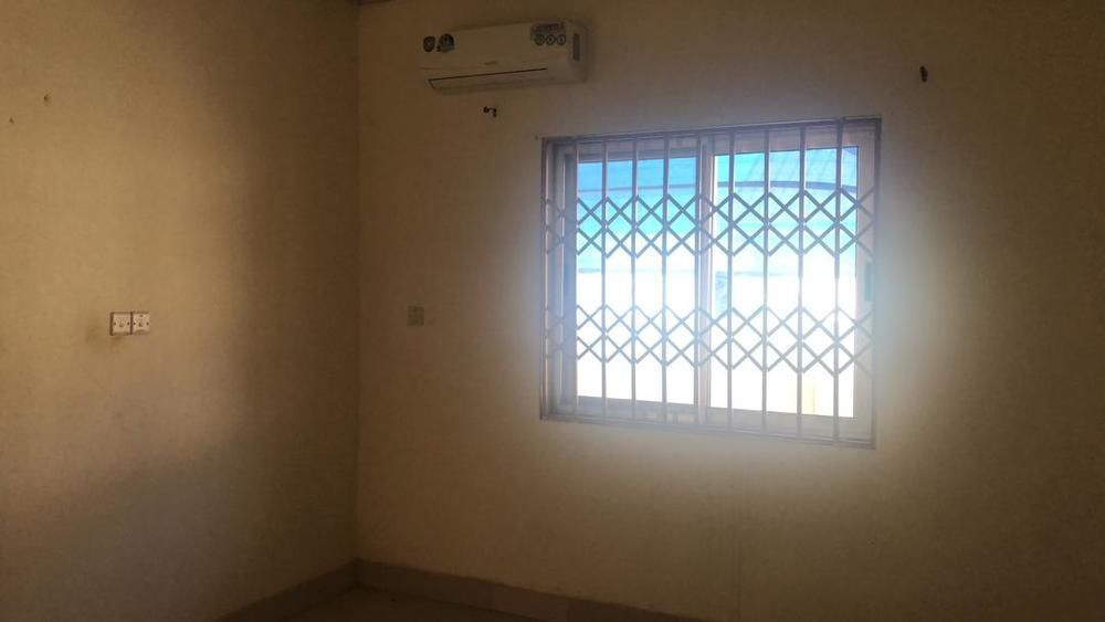 3 Bedrooms house at East Legon