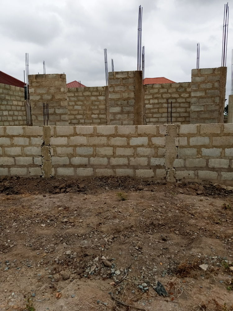 Hotsale 3 b/room uncompleted for sale