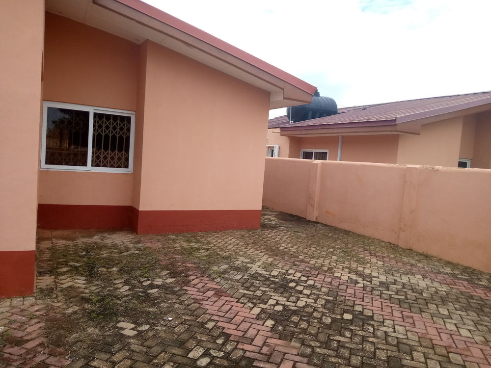Classic 2 Bedroom House for Rent -  Regimanuel